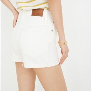 Madewell High-Rise Denim Shorts in Tile White (A6)
